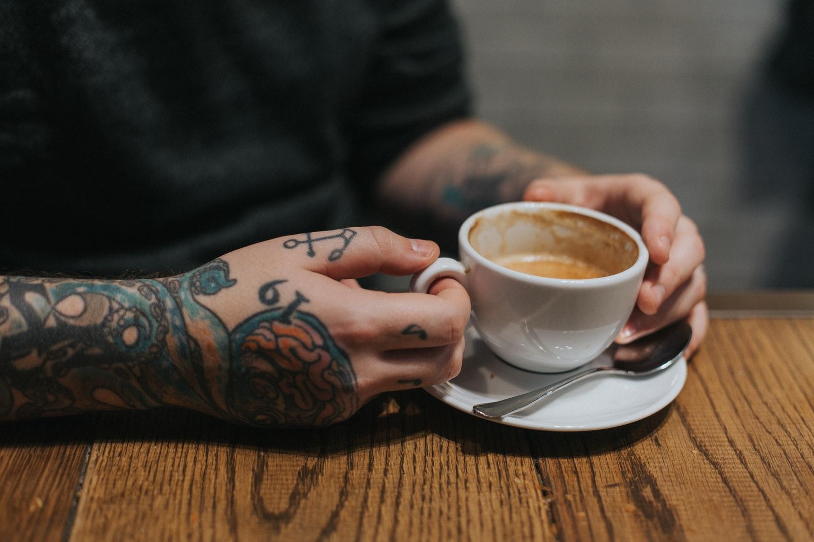 hand-tattoo-koffie