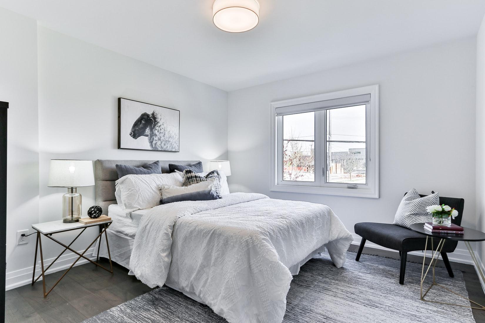 wit-paars-slaapkamer-licht