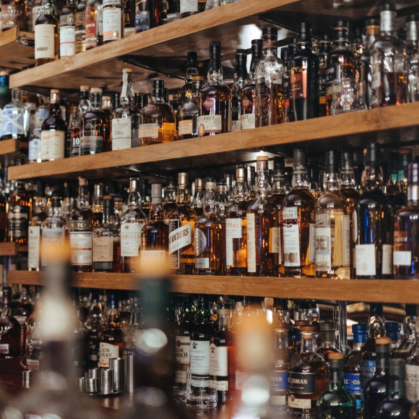 whiskey-flessen-glenesk-hotel
