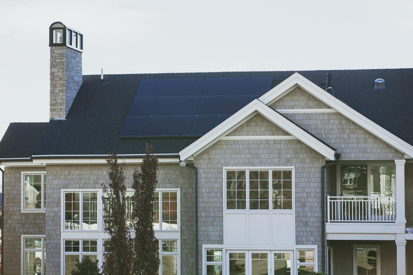 huis-zonnepanelen-dak
