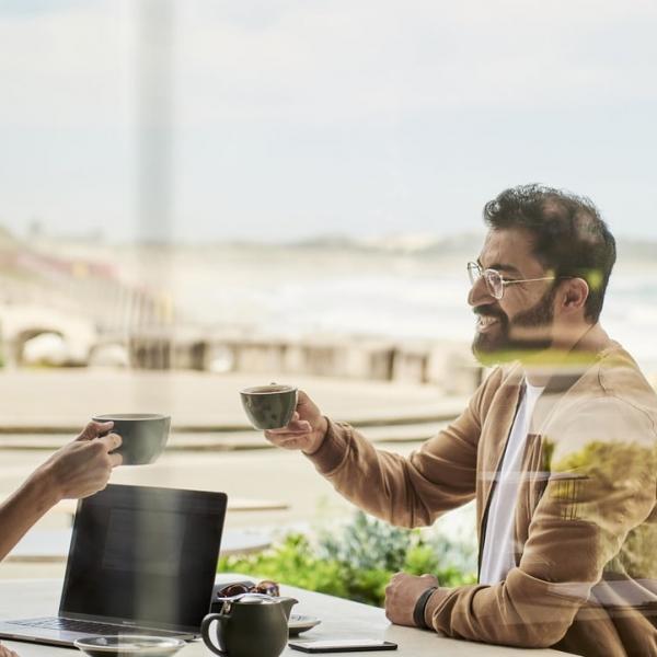 meeting-koffie-man-vrouw