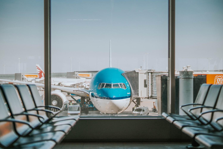 klm-vliegtuig-gate