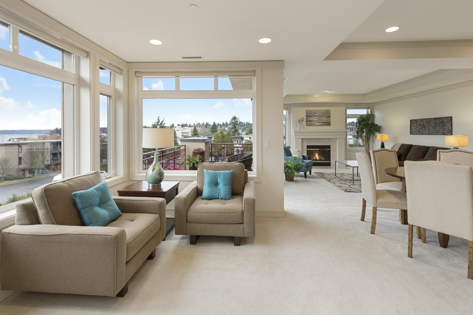 woonkamer-beige-luxe-tapijt