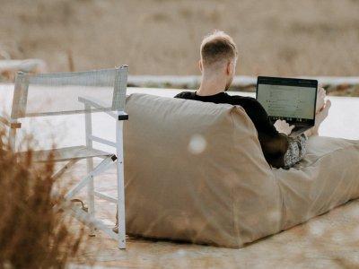 laptop-buiten-werken