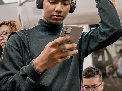 iphone-metro-koptelefoon